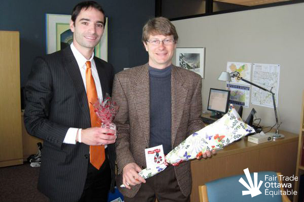 Fair Trade Ottawa Équitable volunteer Jason meeting with Councillor David Chernushenko on February 17, 2011