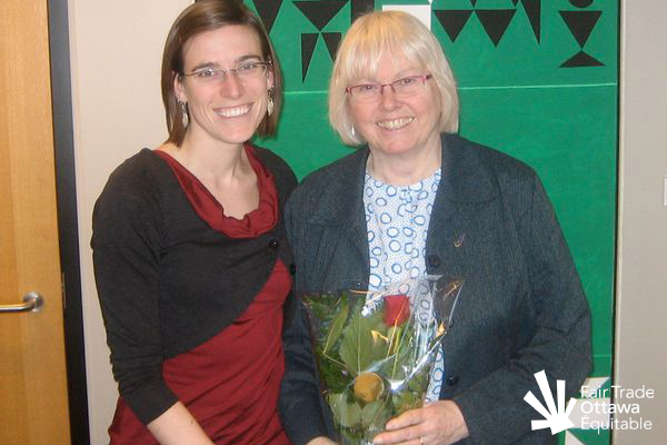 Fair Trade Ottawa Équitable volunteer Sarah meeting with Councillor Marianne Wilkinson on February 11, 2011